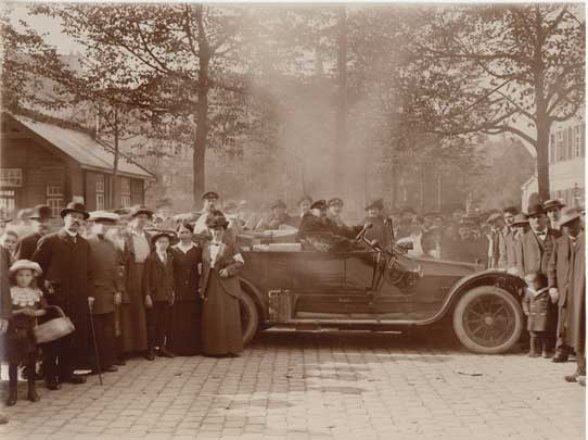 H. Rose: Münsterplatz am 24.9.1914 (Stadtarchiv Bonn)